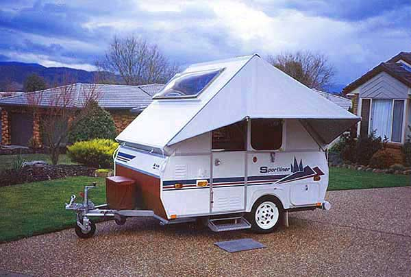 A Van Sportliner Self Supporting Awning